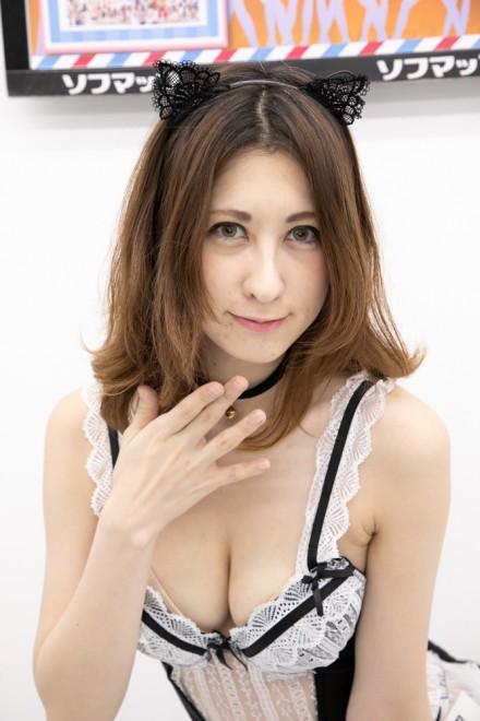 『猫コルセットランジェリー』(八雲聖さん)