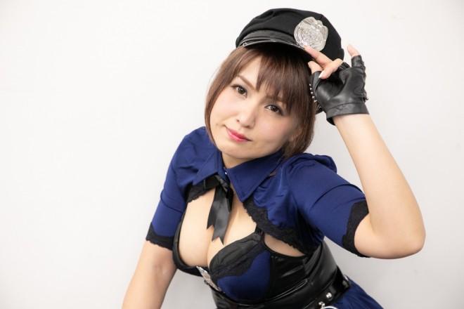 『生テレ コスプレフィナーレ』出演コスプレイヤー・山村茜さん<br>(『むしろ捕まえて下さい』ポリスちゃん)