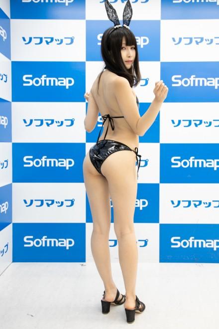 『サンクプロジェクト×ソフマップ』コスプレイヤー・んねさか亜里沙さん<br>(『黒うさぎ』)
