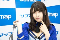 『サンクプロジェクト×ソフマップ』コスプレイヤー・んねさか亜里沙さん<br>(『オリジナル』ポリス風水着)