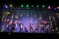 民謡ガールズも出演した、最新ホログラフィック技術と民謡がコラボレーションした『長良グループ×DMM VR THEATER ジョイントライブ』