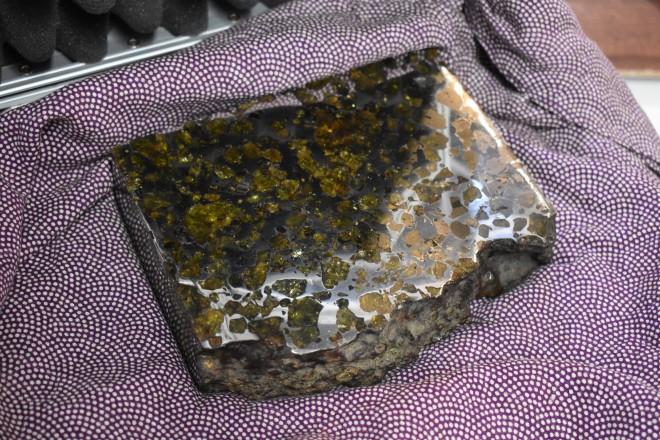 15億と推定される隕石