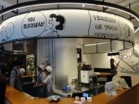 「PEANUTS HOTEL」レセプションとカフェ