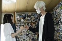 左から山田杏奈(幸役)、上杉柊平(お兄さん役)/ドラマ『幸色のワンルーム』(ABCテレビ)場面写真