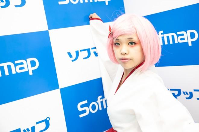 『サンクプロジェクト×ソフマップ』コスプレイヤー・夢繪さん<br>(巫女キツネ)
