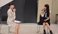 「世界コスプレサミット2018」オープニングセレモニーに参加した『進撃の巨人』ミカサ役の声優・石川由依(右)