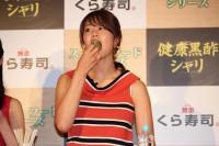 くら寿司の新商品発表会に登壇した稲村亜美