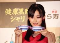 くら寿司の新商品発表会に登場した井本彩花