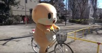 自転車に乗るちぃたん☆(カワウソちぃたん☆ YouTubeより)