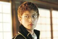 映画『銀魂2 掟は破るためにこそある』キャラクター写真 三浦春馬(伊東鴨太郎)