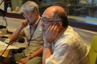 『夏休み子ども科学電話相談』生放送中のスタジオ 左から久留飛克明先生、小菅正夫先生