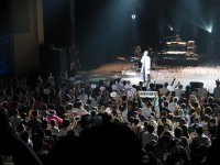 日中平和友好条約締結40周年を記念し、コンサートを行った谷村新司