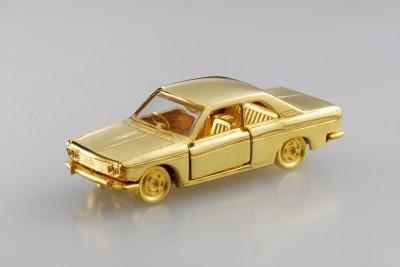 1台100万円なのに完売した「純金トミカ」