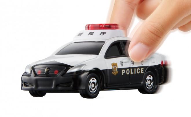 『トミカ4D 05 トヨタ クラウン パトロールカー』(税抜1600円)