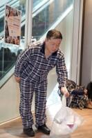 「パジャマのまま、朝ゴミを出しに来た人」