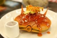 ガンプラお惣菜「ビグザムパンケーキ」(C)創通・サンライズ