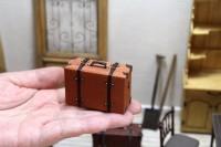 【革のトランク】制作&写真/ヒナぞー