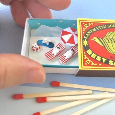 「マッチ箱で氷山ビーチ」。タイトルもユニークな空箱ミニチュア
