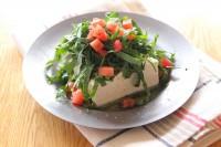 サラダクラブの『ベジタブル麺 ケール』を使った豆腐サラダ