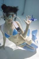 「水中ニーソ」モデル:真縞しまりす