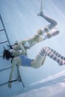 「水中ニーソ」モデル:真縞しまりす×えみりんご