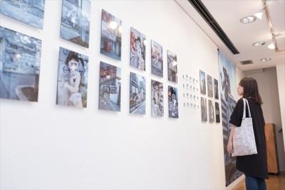 「水中ニーソ」(ペーターズ展示写真)2017年8月/PATER'S Shop and Gallery/SEXY harajuku/古白米/撮影:逢坂憲吾