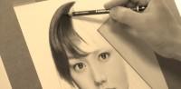 桐谷美玲の鉛筆画 製作途中(YouTubeよりキャプチャ)