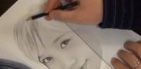 本田翼の鉛筆画 製作途中(YouTubeよりキャプチャ)