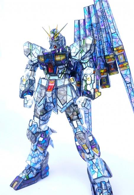 製作:Sui 作品名:『RX-93 ニューガンダム (stained glass ver.)』