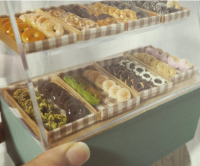【ドーナツのショーケース】制作:misaki