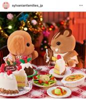 「くるみリスくん、私のケーキどこに行ったか知らない?」「えぇ?ぼく知らないよ!」…あれ?くるみリスくんの口元に何かついていますね♪