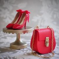 【赤いハイヒールとバッグ】制作&写真:manon