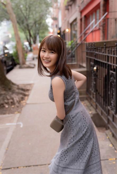 乃木坂46・生田絵梨花 写真集『インターミッション』より(撮影/中村和孝)