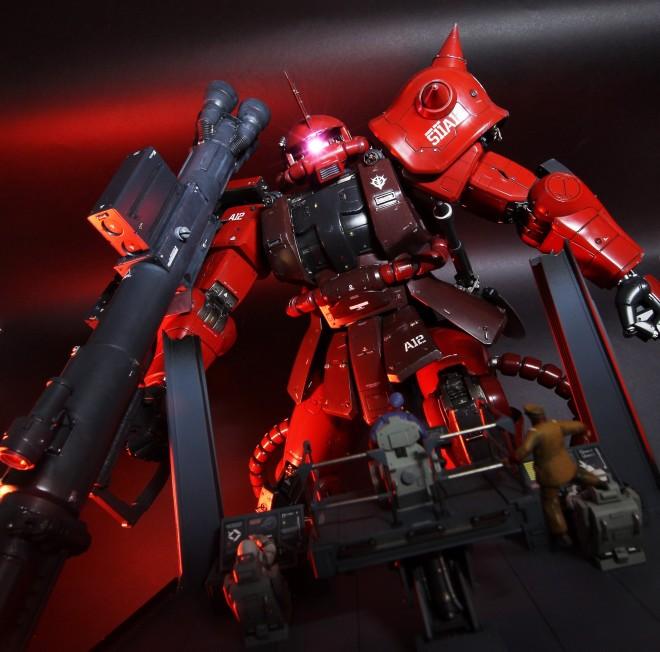 作品:『赤い彗星の恐怖』シャア専用ザク/制作:あわくし(@awaxy)