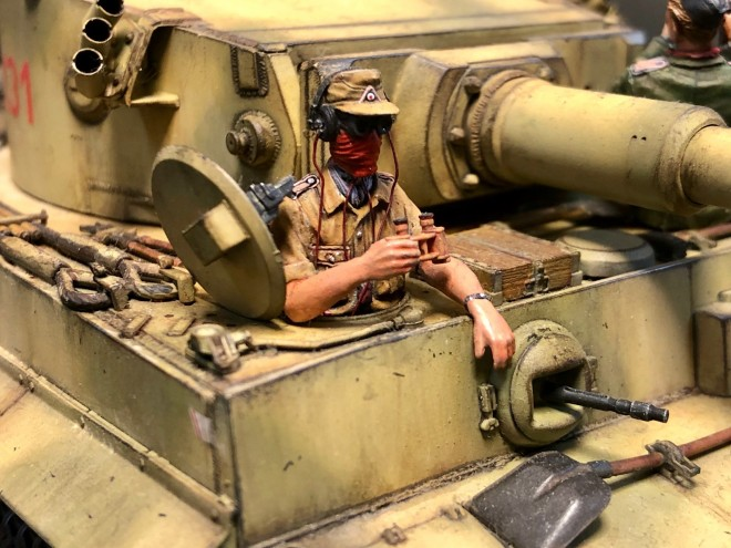 作品:ドイツ陸軍の重戦車「タイガー(ティーガー)」と搭乗員/制作:馬関のとら。