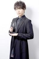 第14回「コンフィデンスアワード・ドラマ賞」助演男優賞を受賞した、山崎育三郎(撮影:草刈雅之)