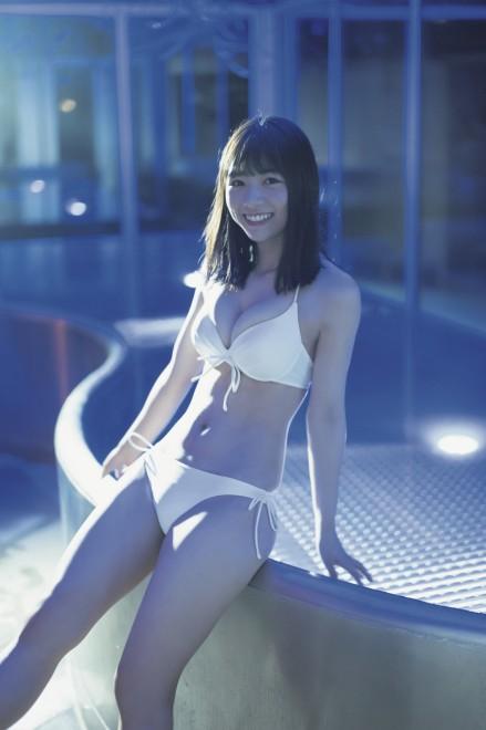 北野日奈子1st写真集『空気の色』(撮影:藤本和典)