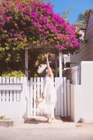 """""""連続ジャンプ""""に挑戦した欅坂46・渡邉理佐(画像は写真集公式ツイッターより)"""