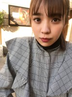 欅坂46・小林由依1st写真集より(オフショット含む) 撮影/鈴木心