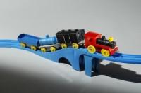 プラレールの原型「プラスチック汽車・レールセット」(昭和34年)