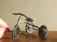 【アンティークの三輪車】制作&写真/中川さえ
