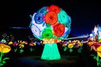 『チャイナランタンフェスティバル』で展示されている「バラの花束」