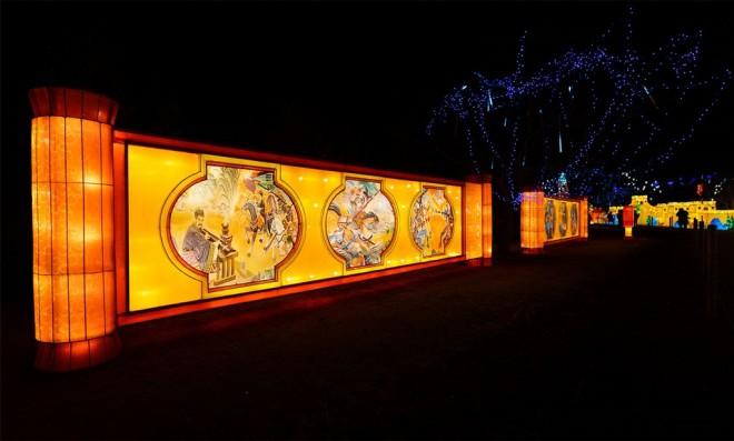 『チャイナランタンフェスティバル』で展示されている「タンカに描かれた三国志」