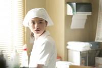 「コンフィデンスアワード・ドラマ賞 年間大賞 2018」新人賞を受賞した清原果耶、出演したドラマ10『透明なゆりかご』シーンカット (C)NHK