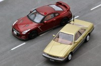 (写真左より)T-IG1805 さらば あぶない刑事 日産GT-R、あぶない刑事05 日産レパード(金)