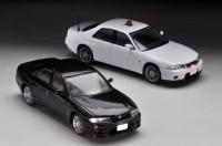 (写真手前より)LV-N165a シビックタイプR 99年(黒)、LV-N169a スカイラインGT-R オーテックバージョン 覆面パトカー(白)