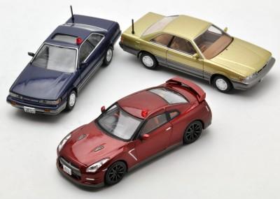 (写真左上より時計回りに)あぶない刑事06 日産レパード(紺)、あぶない刑事05 日産レパード(金)、T-IG1805 さらば あぶない刑事 日産GT-R