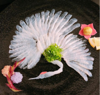mikyouさん最初のお刺身アート、カワハギの「鶴造り」。制作&写真/mikyou