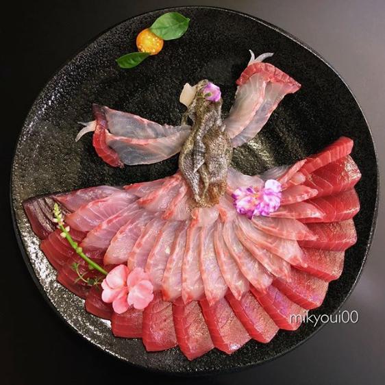 【月を見上げる姫巫女】制作&写真/mikyou
