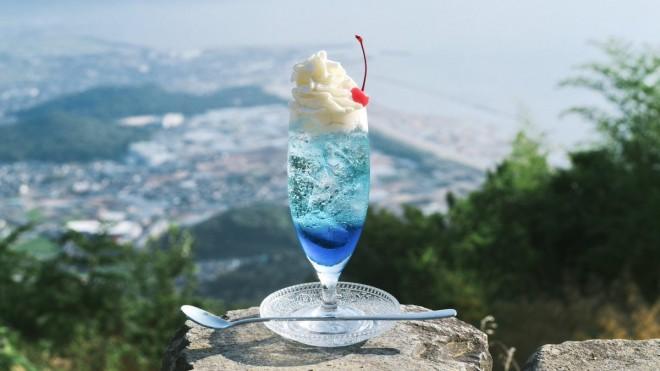 tsunekawaさんの「#旅するクリームソーダ」絶景とのコラボも素敵
